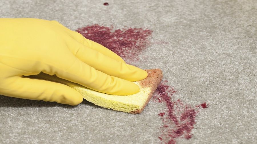 تمیز کردن لکه خون