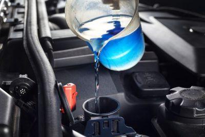 مایع خنک کننده برای جلوگیری از داغ شدن ماشین