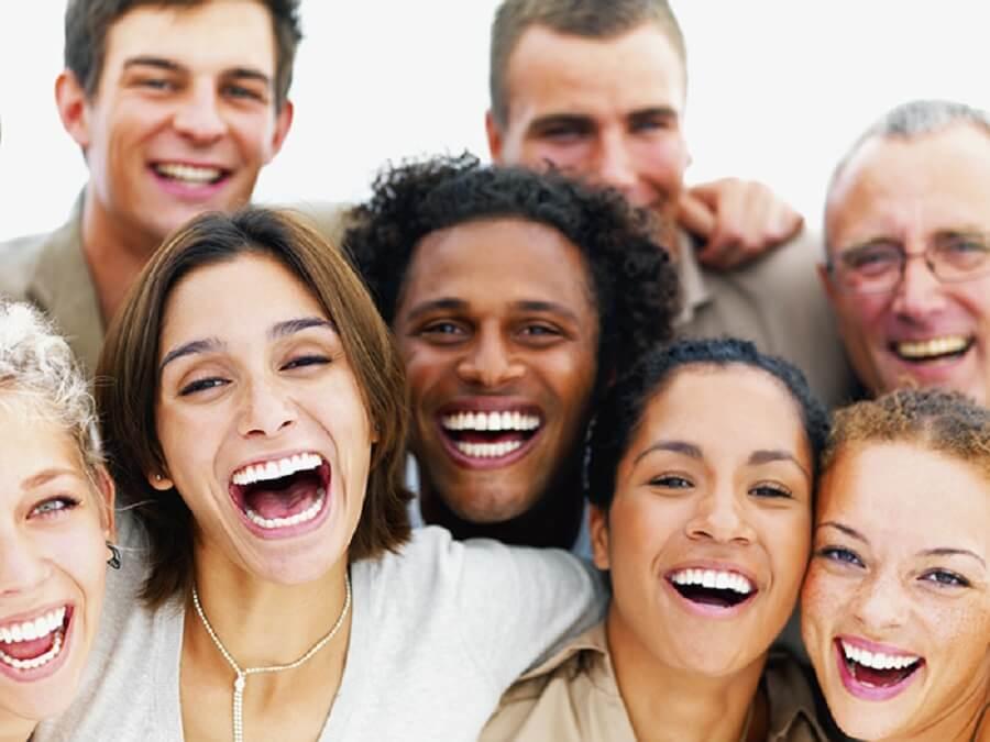فواید فیزیولوژیکی خنده بر روی افراد