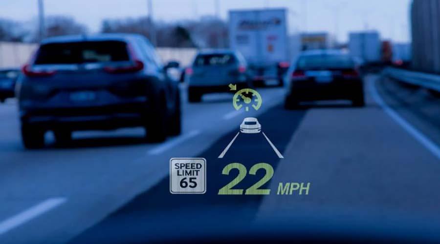فناوری خودرو : نمایشگر نشان دهنده سرعت و میزان بنزین
