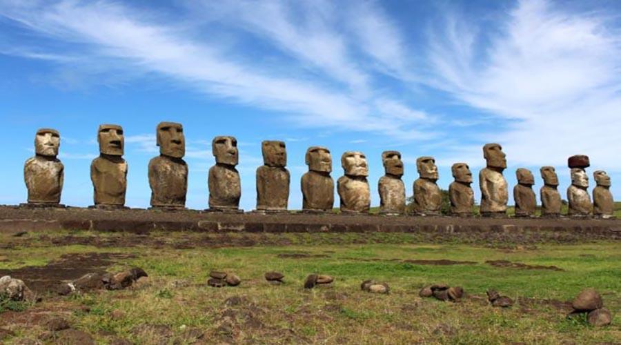 اکتشافات باستان شناسی : مجسمه های موآیی