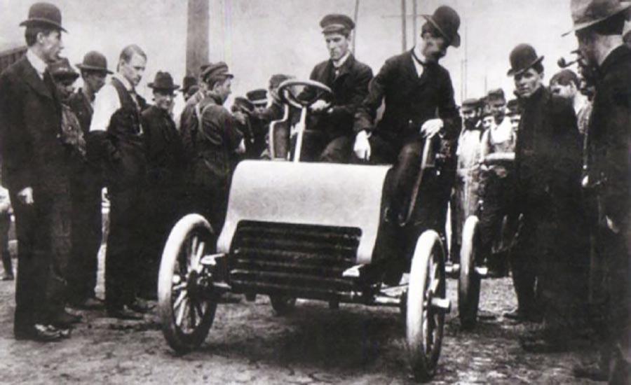 خودرو کادیلاک ساخته شده توسط فورد