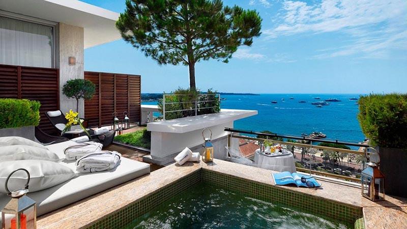 چشم انداز رو به دریا هتل MARTINEZ