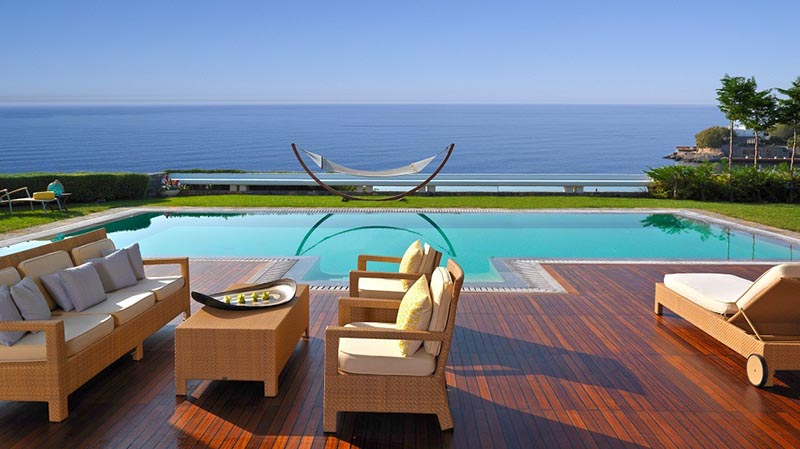 نمای زیبا رو به دریا هتل GRAND LAGONISSI