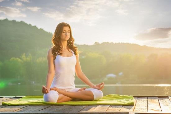 برای درمان وسواس فکری از تکنیک هایی مانند یوگا استفاده کنید