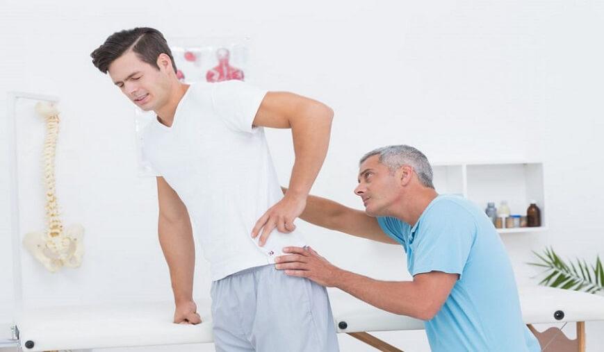 اگر در مراحل درمان کمر درد هستید  سعی کنید به کمرتان فشار زیادی وارد نکنید