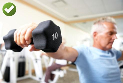 وزنه برداری ممکن است درمان کمر درد شما باشد