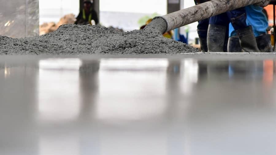 کف زمین را خشک کنید تا از سر خوردن شما جلوگیری شود ومجبور به درمان کبودی های خود ناشی از سر خوردن نشوید
