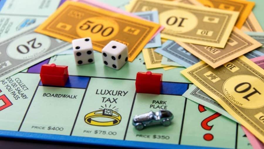منو پولی از دیگر بازی های سرگرم کننده در شب یلدا است