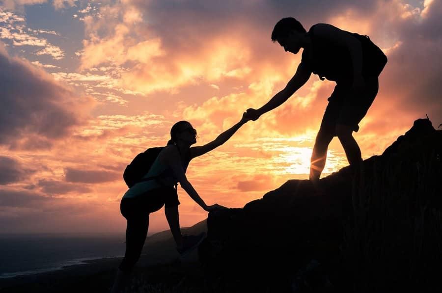 از کمک به دیگران غافل نشوید