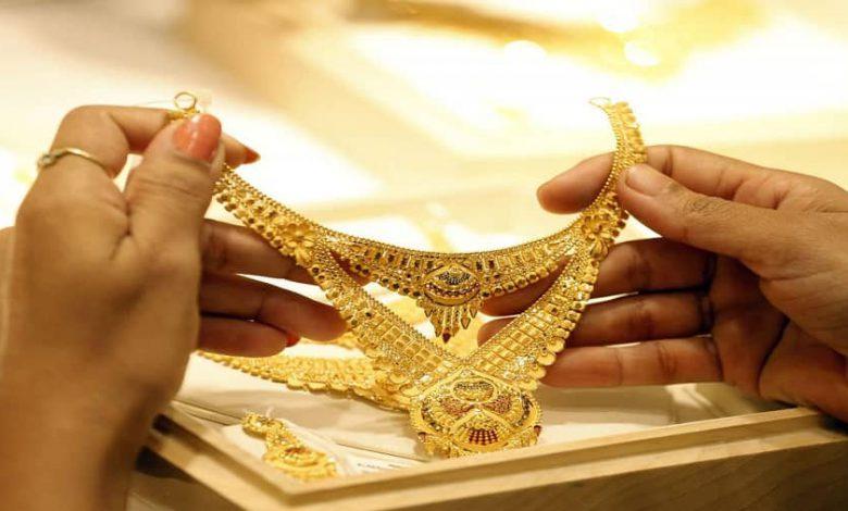 Photo of ترفند های آسان و کاربردی برای برق انداختن طلا و جواهرات