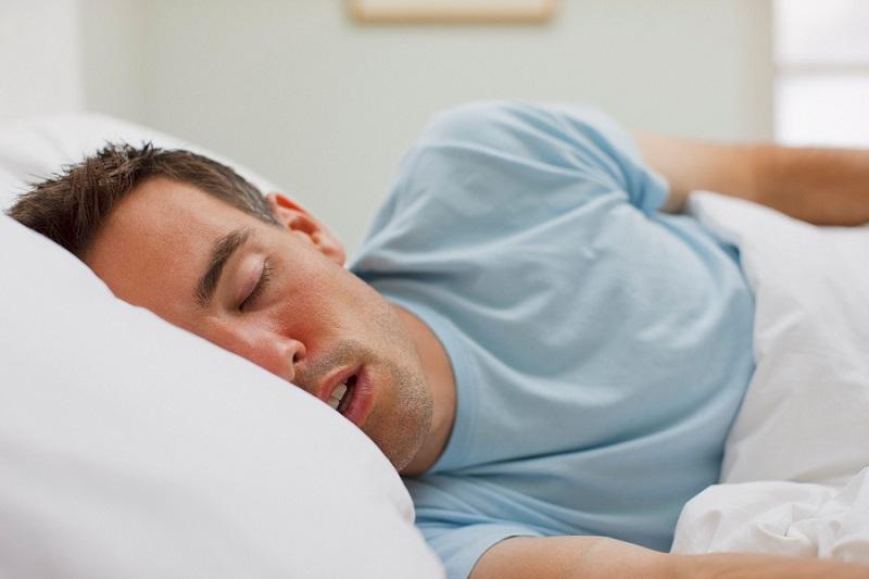 با احساس خستگی در بدن کمی بخوابید و اجازه ریکاوری به بدن بدهید
