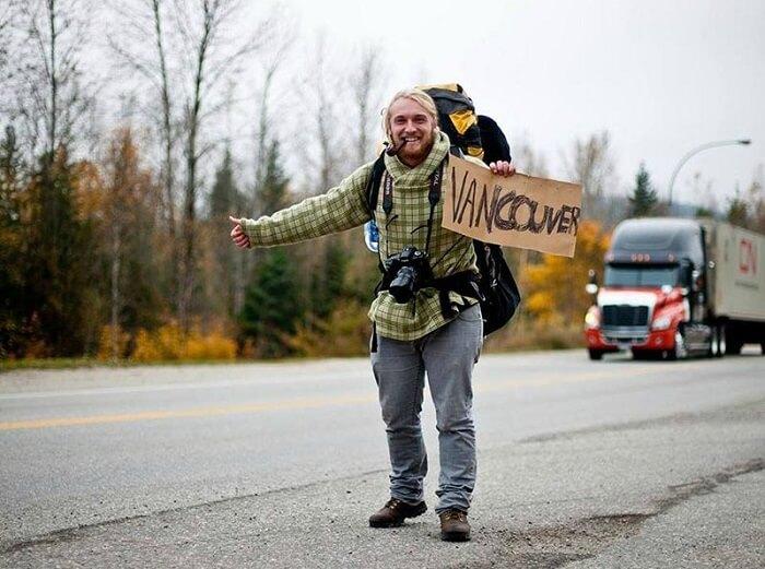 هیچهایک در کانادا