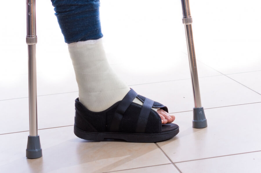 فشار بر روی پای خود را کاهش دهید.
