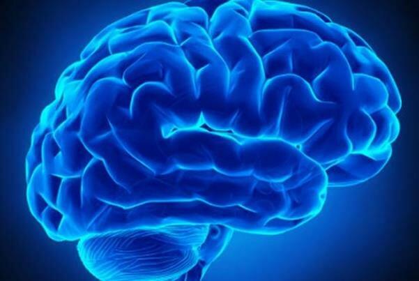 خوردن آب سیب به حفاظت از مغز کمک می کند