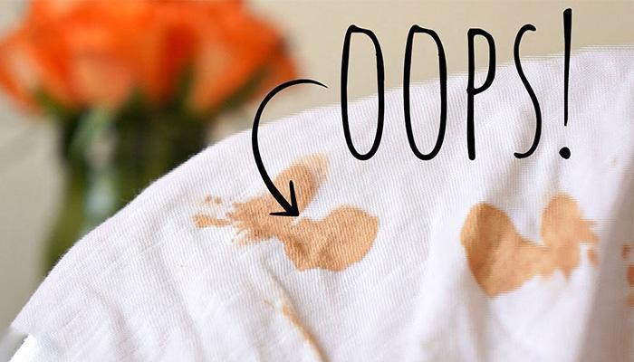 پاک کردن لکه های روی لباس.