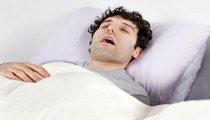 آپنه خواب باعث ایجاد بوی بد دهان می شود.