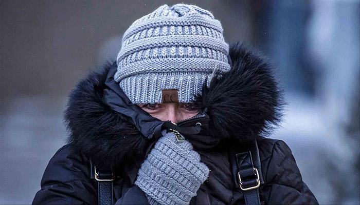 در فضای باز و هوای سرد خود را بپوشانید.