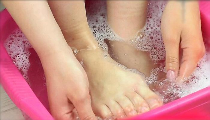 دست و پاهایتان را بشوئید.