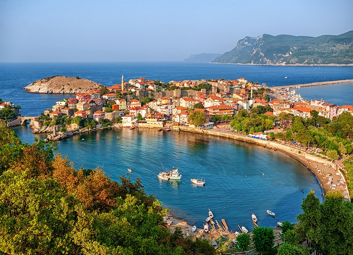 ترکیه کشوری زیبا با جمعیت زیاد و شغل های متنوع