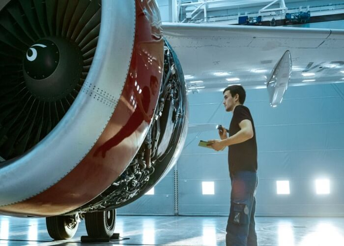 مهندس هوا فضا یک شغل با در آمد عالی و مناسب برای کانادا است.