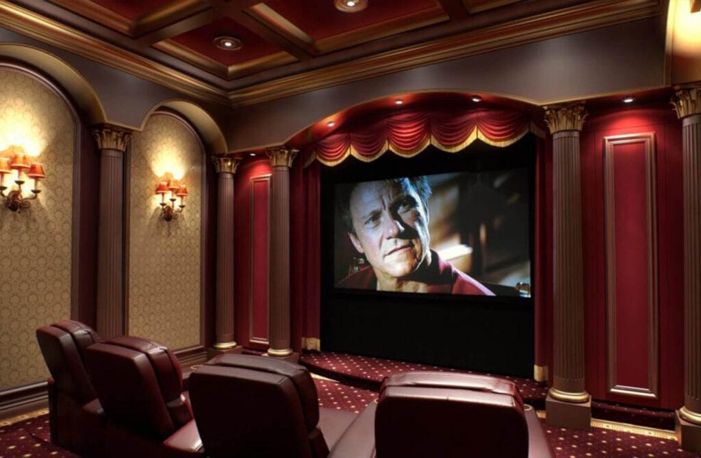 فیلم دیدن در سنت پترزبورگ