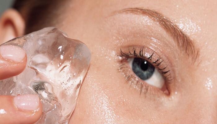 فواید یخ برای پوست صورت