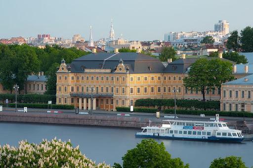کاخ منشیکوف سن پترزبورگ