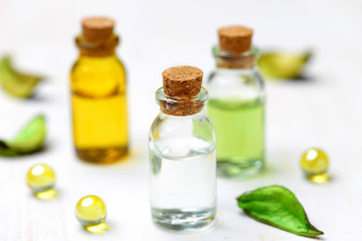 روغن معدنی یکی از مواد مضر لوسیون بدن