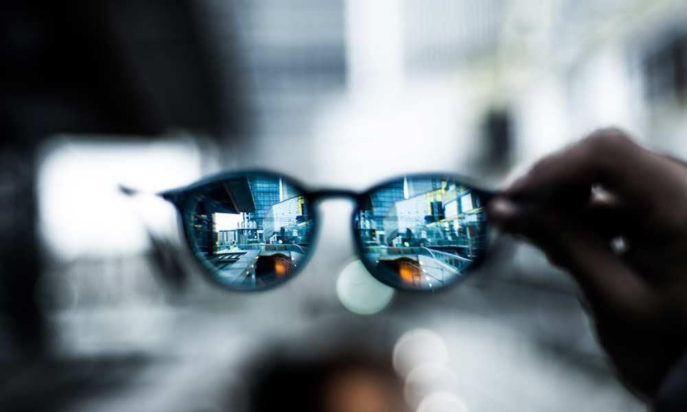 عینک کتاب هنر شفاف اندیشیدن