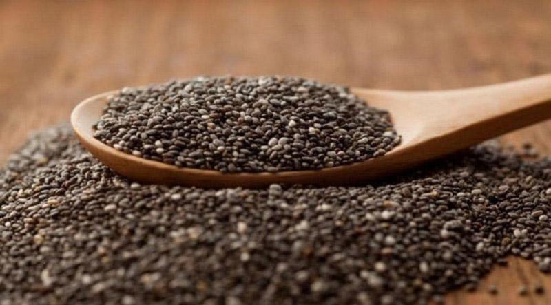 دانه چیا حاوی چربی های سالم و فیبر است که می تواند خستگی را برطرف کند.