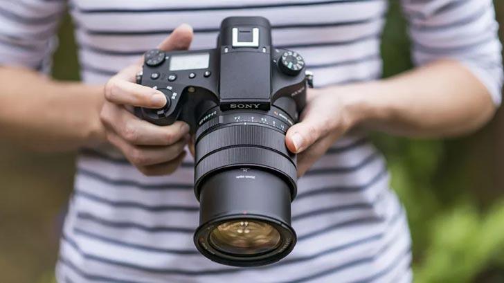 بهترین دوربین سونی برای عکس و فیلم.