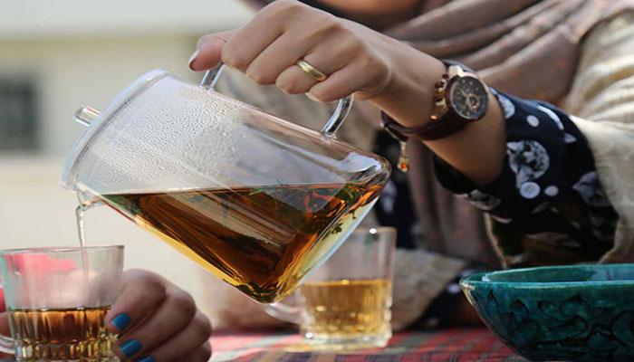 خوب است روزانه 1 یا 2 فنجان چای سبز بنوشید.