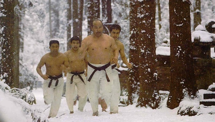 تمرینات سخت ورزش کیوکوشین