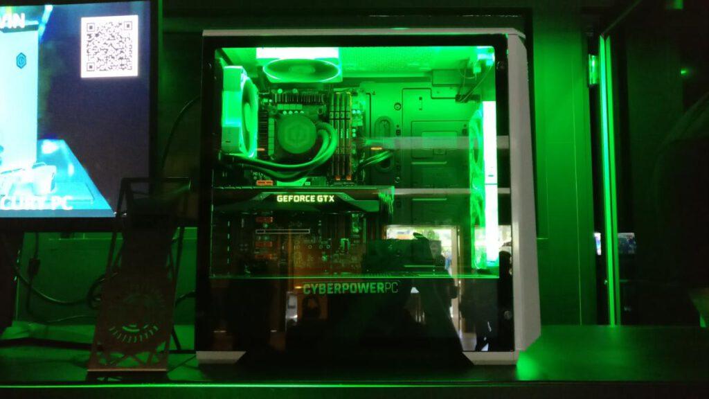 خرید کیس کامپیوتر؛ پنل های شیشه ای مقاوم