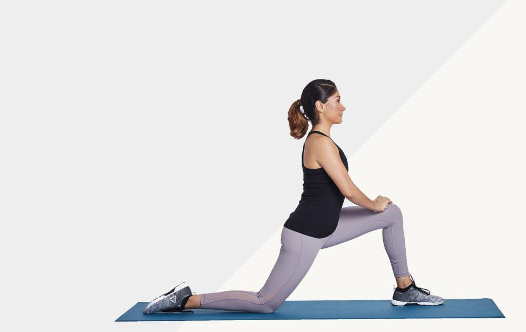 کشش عضلات خم کننده و چهار سر زانو، برای انعطاف پذیری بدن.