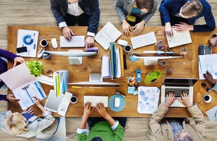 ترکیب تولید محتوا و بازاریابی: نظارت بر کاربران